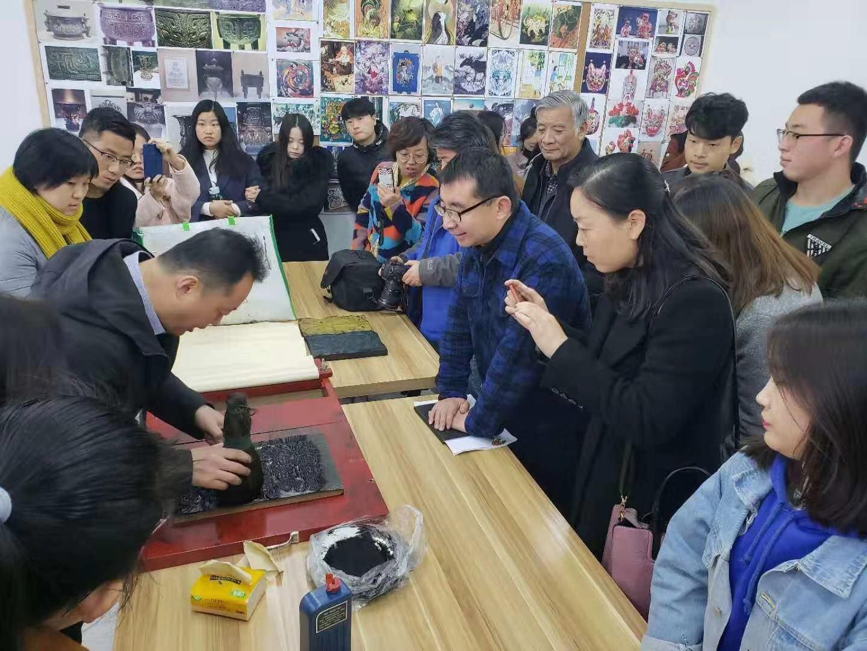 潍坊杨家埠木版年画书法题跋全国巡展活动走进我校