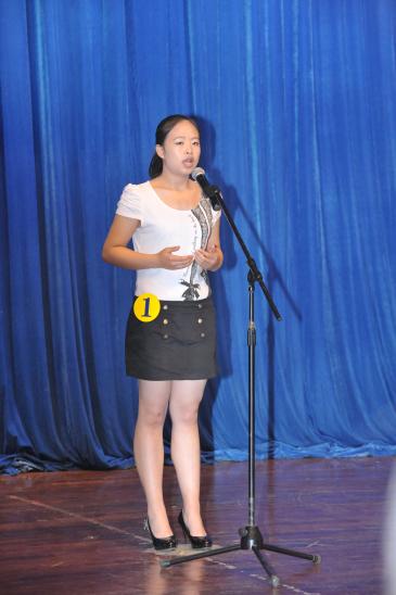 """我校举行英语演讲赛暨中央电视台""""希望之星""""英语风采大赛选拔赛"""